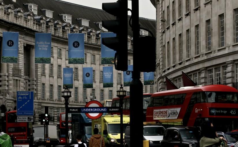 ロンドンの雨傘